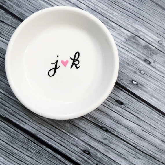 Mariage - Engagement Ring Holder Dish Initials Perfect Gift For The Bride
