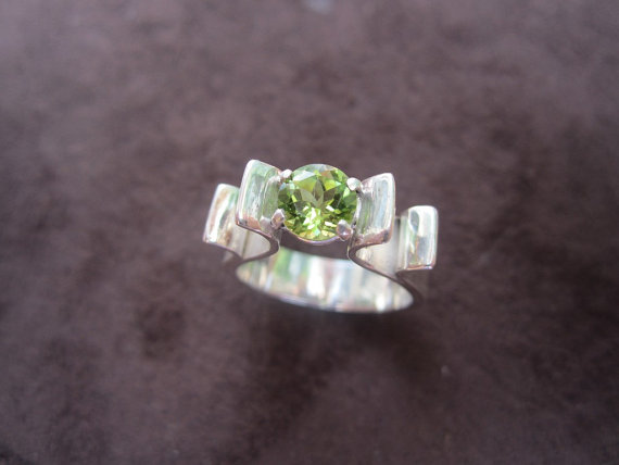 Wedding - Natural Peridot Moden Flower Ring - Sterling Silver & 14k Yellow Gold Accents - Wedding Engagement Anniversary Promise Ring Special Occasion