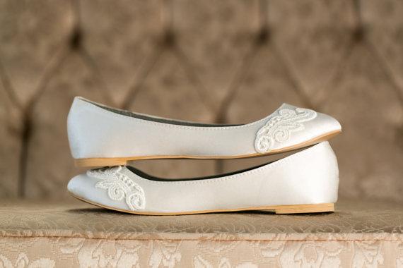 Mariage - Wedding Shoes - Ivory Wedding Shoes/Wedding Ballet Flats, Ivory Flats, Ivory Satin Flats with Ivory Lace. US Size 8