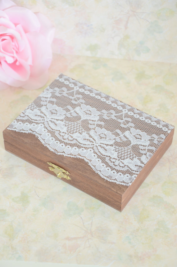Mariage - Vintage chic ring bearer box - personalized ring bearer box