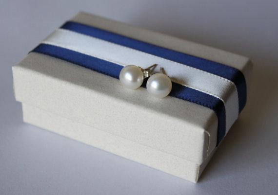Свадьба - 6-7mm AAA White Fresh Water pearl stud earrings, Bridesmaid earrings, Sterling Silver, bridal,birthday,graduation,10 dollar,Navy