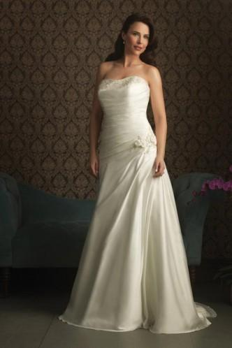 Свадьба - Chic And Sophisticated A-Line Satin Strapless Bridal Wedding Dress