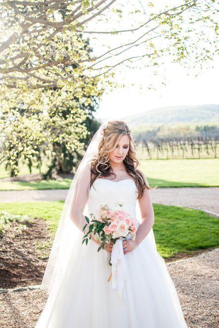 Свадьба - Wedding Gown Photos   Bridal Portraits
