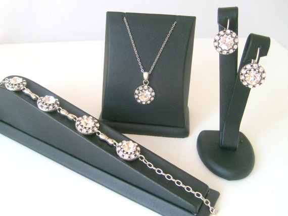 Mariage - Vintage style art deco swarovski crystal rhinestone wedding jewelry set bridal jewelry bridesmaid gifts..