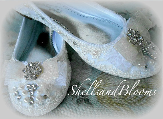 Свадьба - RESERVED for Janelle - Wedding Bridal Ballet Flats Shoes  - Rhinestone crystals and Pearls - Embellished - bridesmaids