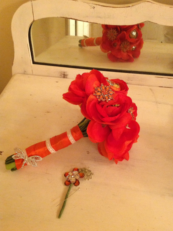 Свадьба - Vivid Orange Wedding Bouquet with Brooches, Dragonfly Free Groom Boutonniere