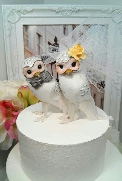 Mariage - SPRING SALE!!! Grey and yellow wedding owls  chic snow owls  bird wedding cake topper