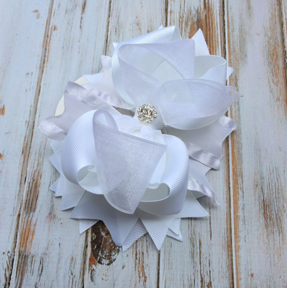 Boda - Girls hair bows, Wedding Hair Accessory, Flower girl hair bow, Pageant, White Hair bow, Stacked Hair Bow Big hair bows Boutique hair bow