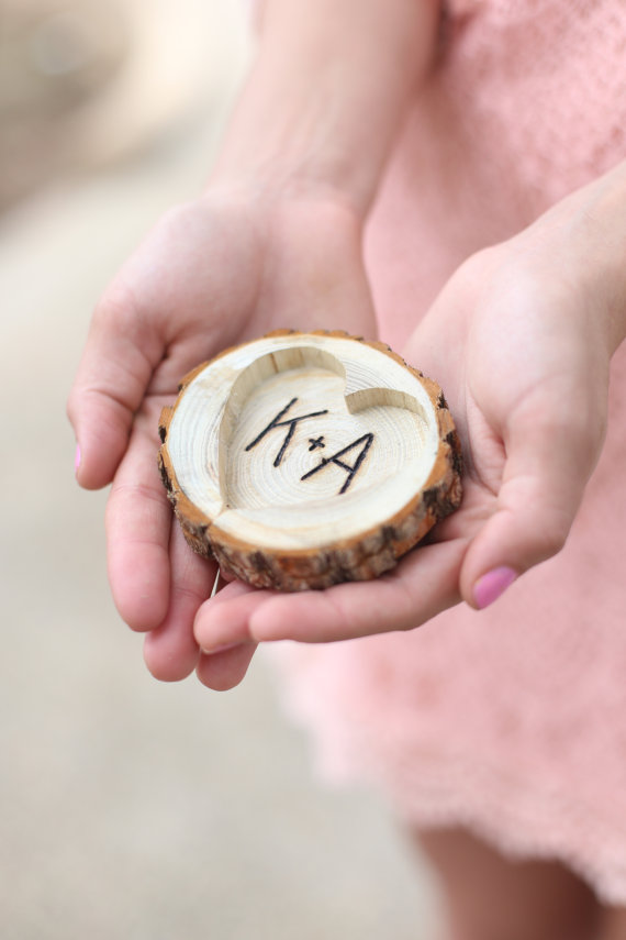 Mariage - Personalized Rustic Wood Ring Bearer Pillow Alternative Tree Stump QUICK shipping available