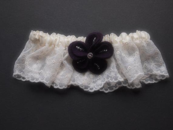 Hochzeit - Garter Wedding Ivory Lace Purple