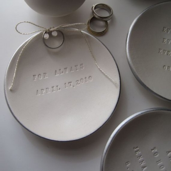 Mariage - personalized Ring Bearer Bowl with silver leaf rim, custom wedding ring dish by Palomas Nest