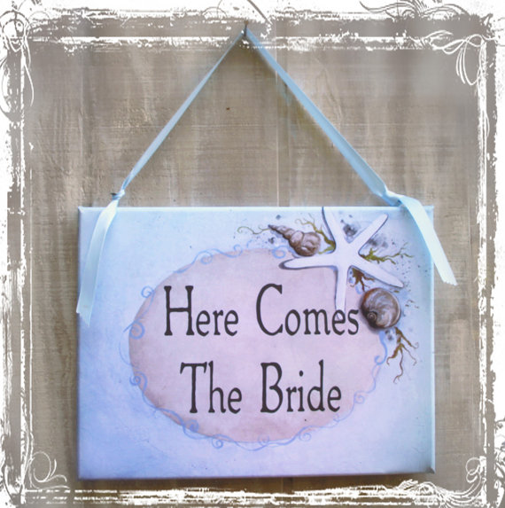 Mariage - Here Comes The Bride - Beach Weddings - Flower Girl or Ring Bearer Banner - Sign - Destination Nautical Starfish Wedding