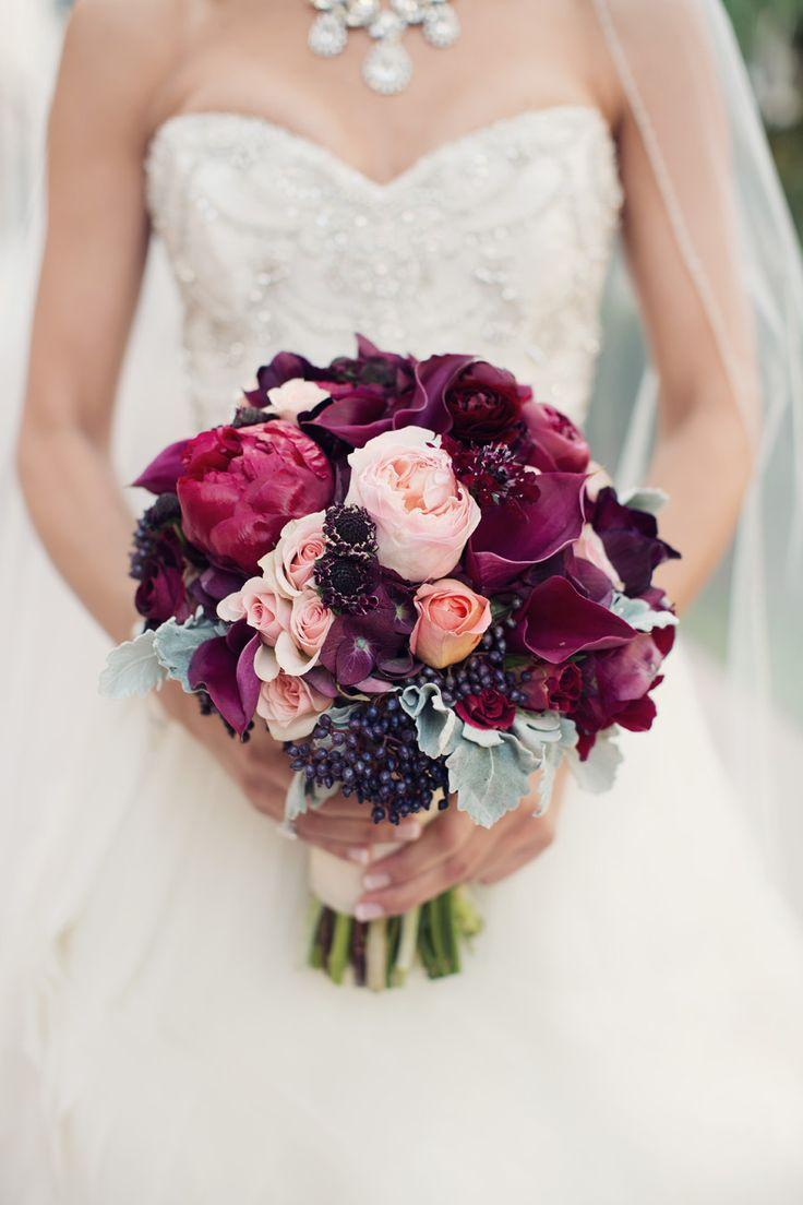 Burgundy Wedding Theme Ideas