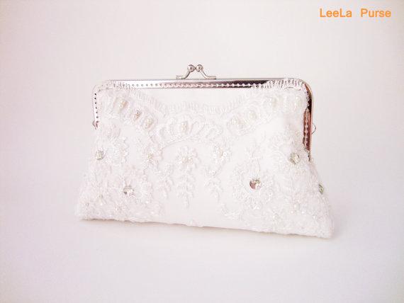 زفاف - Elegant Wedding White Lace Clutch Purse with Chains / Bridal Accessories /