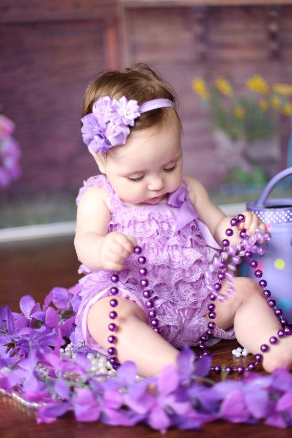 Свадьба - 2pc Lavender Petti Romper Set...Baby Girls Headband..Girls Hair Bows..Newborn Headband...Pageant Wear...Cake Smash