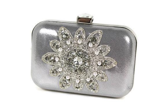 Hochzeit - Silver Bridal Clutch, Evening Bag, Wedding Purse, Vintage Style Clutch, Rhinestone Clutch, Minaudiere, Pearl Clutch