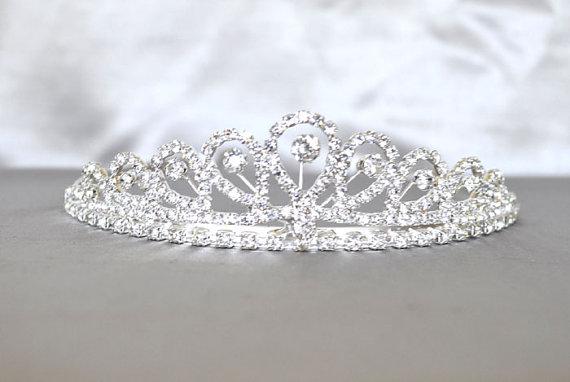 Свадьба - Wedding Tiara with Rhinestones and Veil, Bridal Tiara, Bachelorette Tiara, Birthday Party, Bride Crown