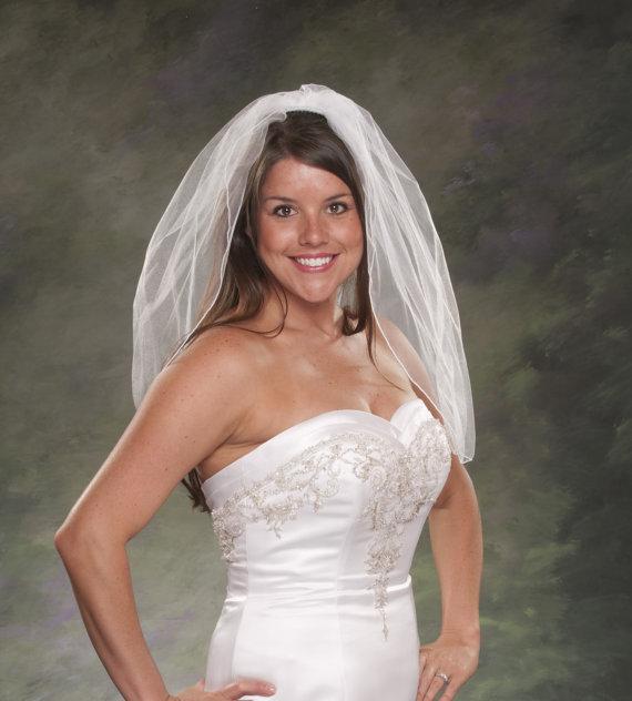 Hochzeit - Wedding Veil Shoulder Length 1 Layer Pencil Edge Veil Tulle Veil 26 inches Long Veil One Tier White Bridal Veil Ivory Veils Short