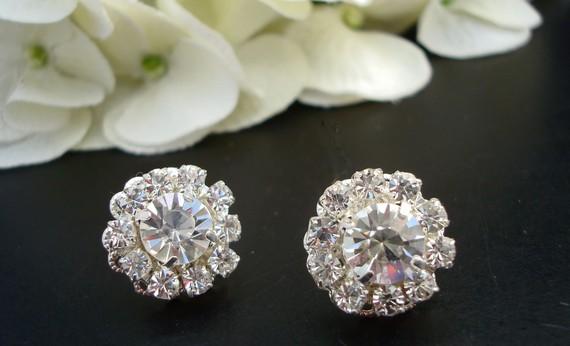 Свадьба - Rhinestone Bridal Earrings, Flower Rhinestone,  Vintage Style Jewelry,  Wedding Rhinestone Earrings, Bridal Stud Earrings, AILEEN