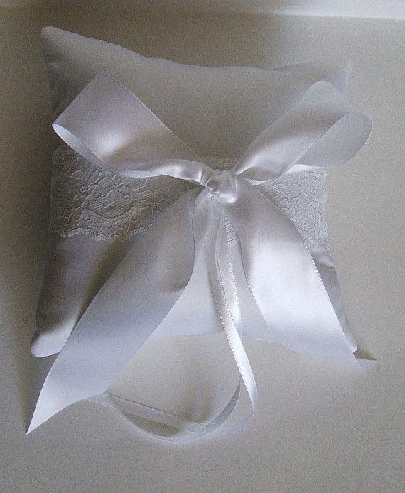 "Mariage - Ring Pillow Wedding Handmade ""BRIA "" Ring Boy White or Ivory"