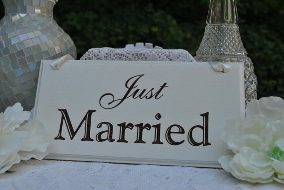 Mariage - Just Married Wedding Sign, Handmade & Laser Engraved.