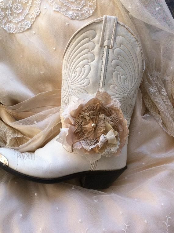 Mariage - Ivory, Cream Burlap, Linen & Lace/ MADE TO ORDER/ Flower Boot Band/ Boot Bling/ Girls Headband/ Rustic Wedding/ Flower Girl/ Brooch Pin