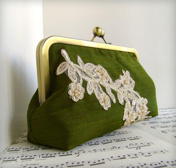زفاف - Custom clutch, silk clutch with beaded lace applique, Personalized bridesmaid gift, wedding clutch