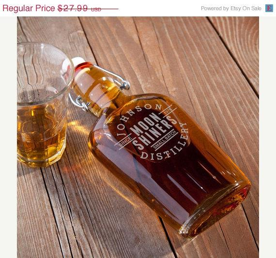 Wedding - Personalized Groomsmen Gift MoonShiners Glass Flask (RO102DISTILLERY)