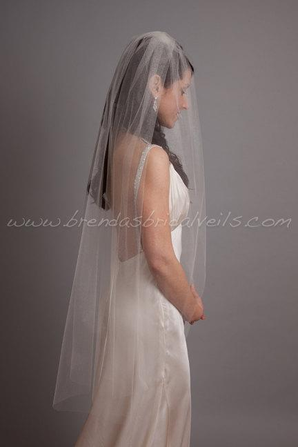 Свадьба - Tulle Bridal Veil Single Layer, Wedding Veil, Available in Many Lengths and Colors