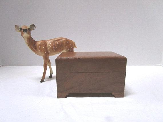 Свадьба - Vintage Music Box Handmade Walnut w/ music workings by Sankyo, You Light Up My Life Give Me Hope, Hinged Lid Wooden, Bride
