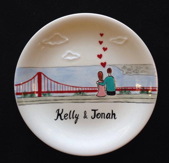 Свадьба - Engagement, Wedding gift - Personalized Hand Painted Ceramic Ring Dish, ring holder- Golden Gate Bridge, Anniversary, Valentine's Day