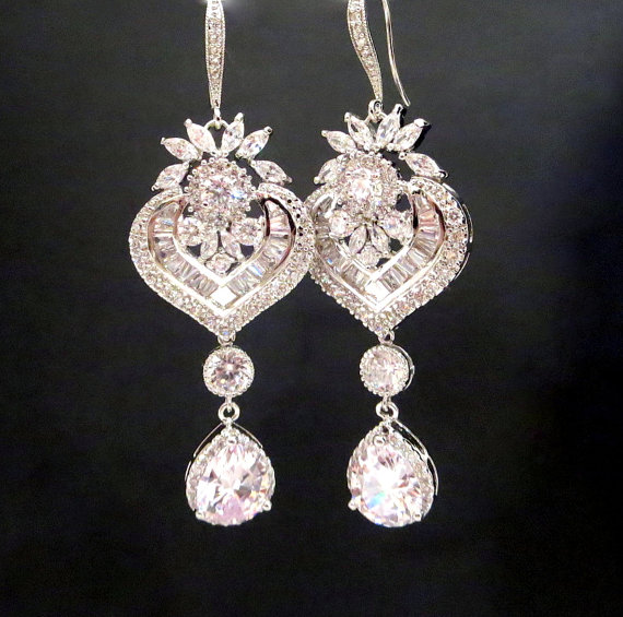 Mariage - Crystal Bridal Earrings, Chandelier Wedding earrings, Art Deco Wedding earrings, Bridal jewelry, Rhinestone earrings, EMMA