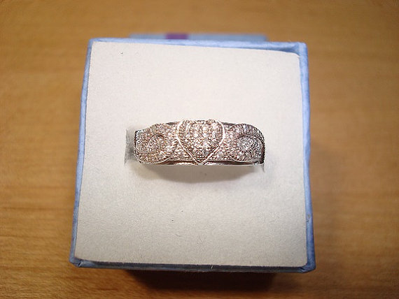 Свадьба - White Sapphire 925 Sterling Silver Heart Engagement / Wedding / Anniversary Band Ring Size 6 1/2