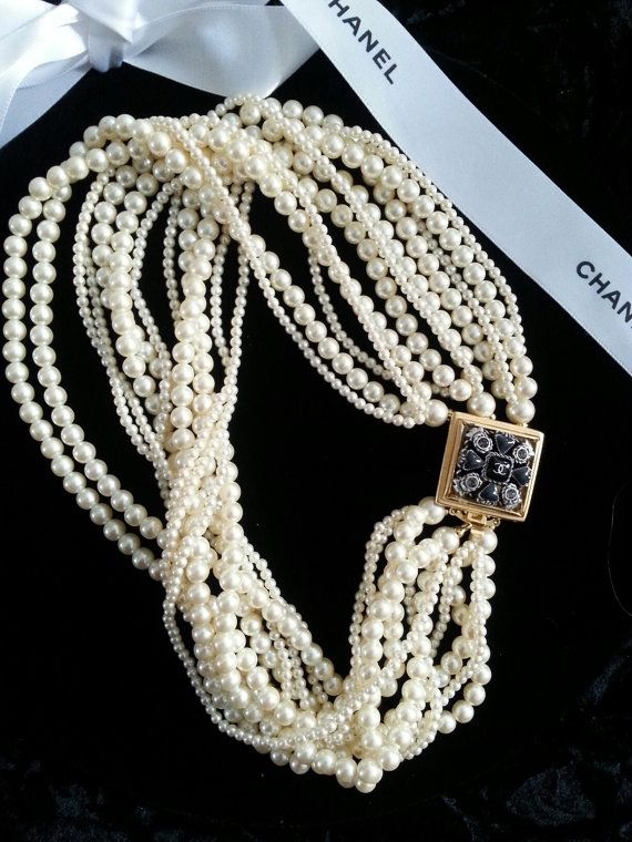 Свадьба - Authentic Chanel CC Button Pearl Necklace Vintage Multi Strand