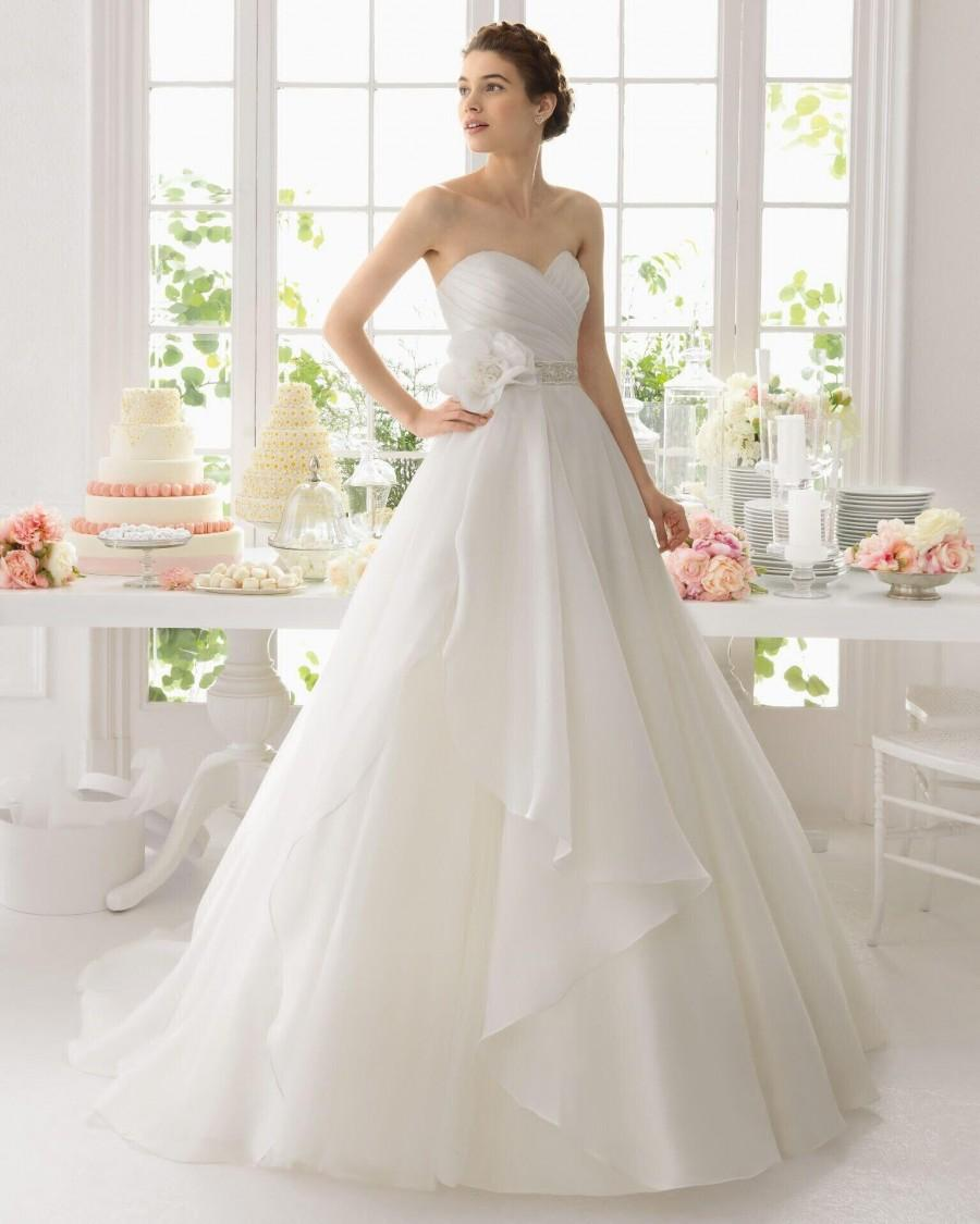 Custom made a line white organza wedding dresses sweep for Wedding dress made of flowers