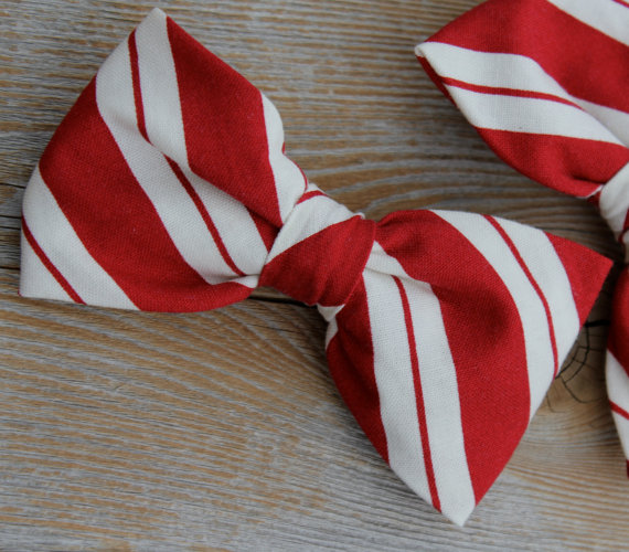 5ab72bf4bb24 Men s Red And Cream Christmas Bow Tie - Clip On