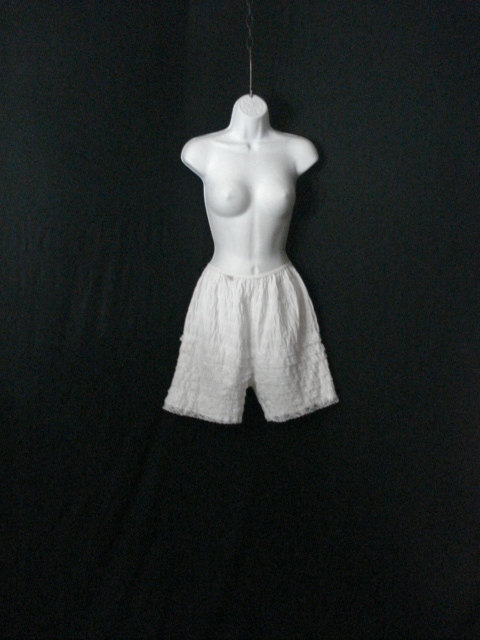 Свадьба - White Lace Square Dance Sissy Bloomers Partners Please Vintage 70s 80s M