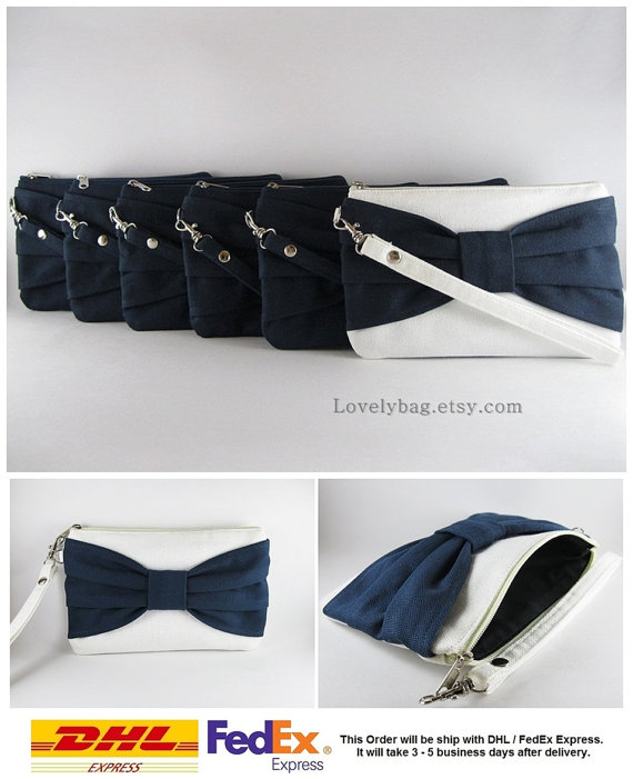 Свадьба - Set of 6 Wedding Clutches, Bridesmaids Clutches / ( 5 Navy Bow and 1 Ivory with Navy Bow ) - MADE TO ORDER