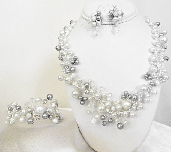 Mariage - Wire Wrapped Pearl Wedding Necklace Bridal Jewelry