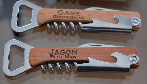Свадьба - Personalized Engraved Wood Corkscrew, Custom Wine Opener, Engraved Wooden Beer Bottle Opener, Engraved Multi Tool Corkscrew, Groomsmen Gift