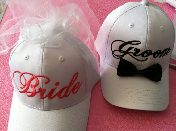 Mariage - Bride and Groom Matching Veil and Tuxedo Hats