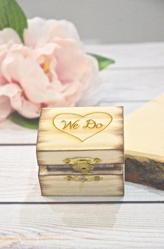 Mariage - We Do wooden ring bearer box, personalized wedding ring box-
