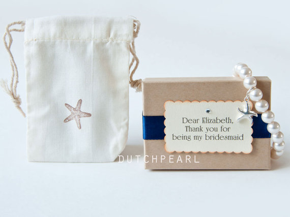 Свадьба - 8 sets -STARFISH PEARL BRACELET - 8mm pearls - beach wedding - nautical wedding - star fish - bridesmaid gifts - handmade wedding jewelry
