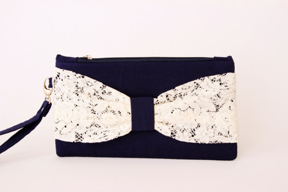 Свадьба - Navy with  white  lace Bow wristelt   clutch,bridesmaid gift ,wedding gift ,make up bag,cosmetic bag