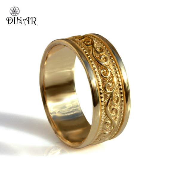 Mariage - Scrolls 18k yellow gold Wide Wedding Band, unisex gold band Art Deco pattern, Milgrain Engravings wedding ring men's gold band, women's band
