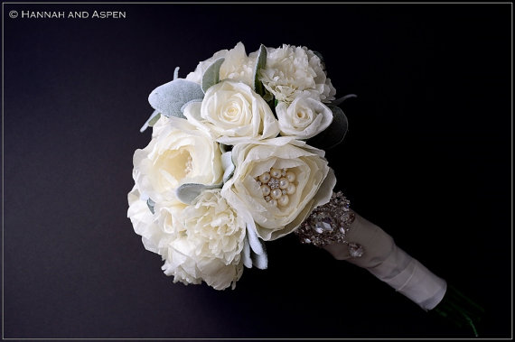 Mariage - IVORY silk jeweled bridal bouquet - Wedding bouquet with rhinestone and pearl brooch