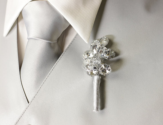 Свадьба - Silver Grooms Boutonniere - Buttonhole - Wedding Boutonniere for Groom, Groomsmen, Men, and Prom
