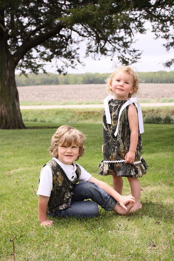Mariage - camo wedding, Camo girl dress, Camo boy vest, Brother sister matching outfit, Flower girl dress, MossyOak wedding, Camo wedding