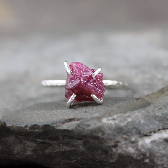 Mariage - Raw Ruby Ring -  Rough Uncut Red Ruby - Sterling Silver Solitaire  -  Ruby Engagement Ring - July Birthstone Ring - 40th Anniversary Ring