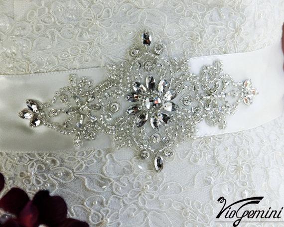 Hochzeit - Bridal sash , rhinestones and pearl sash, wedding sash, jeweled sash belt, crystal sash, wedding gown embellishment